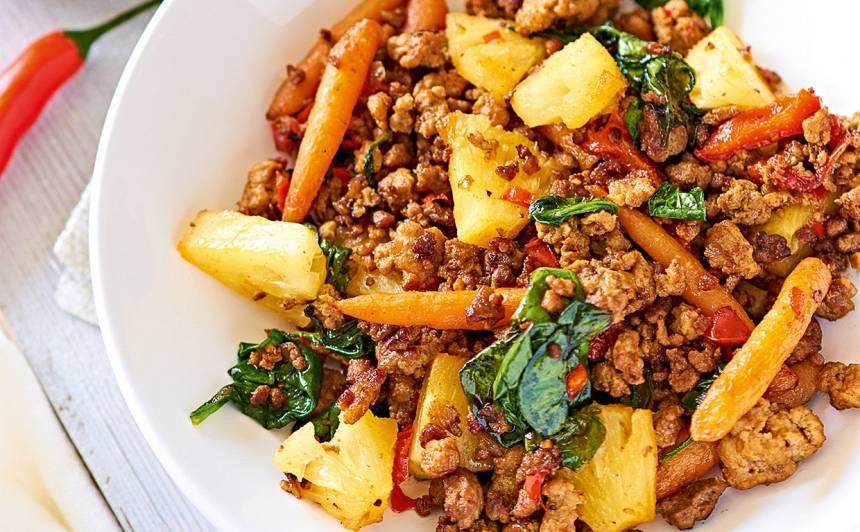 Maltā gaļa ar dārzeņiem un ananasiem receptes
