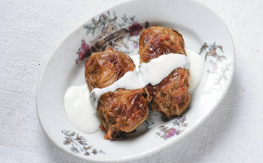 Kāpostu tīteņi tomātu mērcē recepte