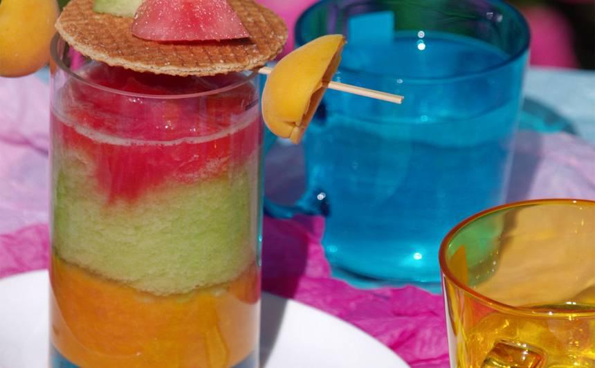 Kārtainais augļu kokteilis recepte
