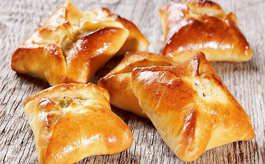 Pīrādziņi ar rabarberiem un biezpienu recepte