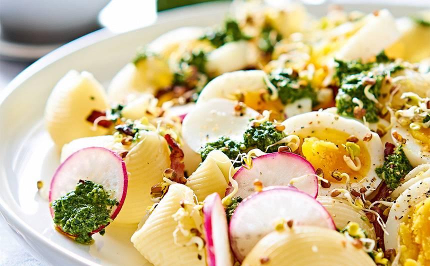 Makaronu salāti ar pesto un olām