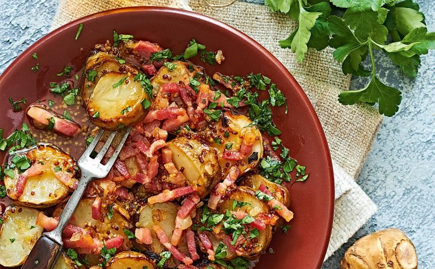 Siltie topinambūra salāti ar bekonu recepte