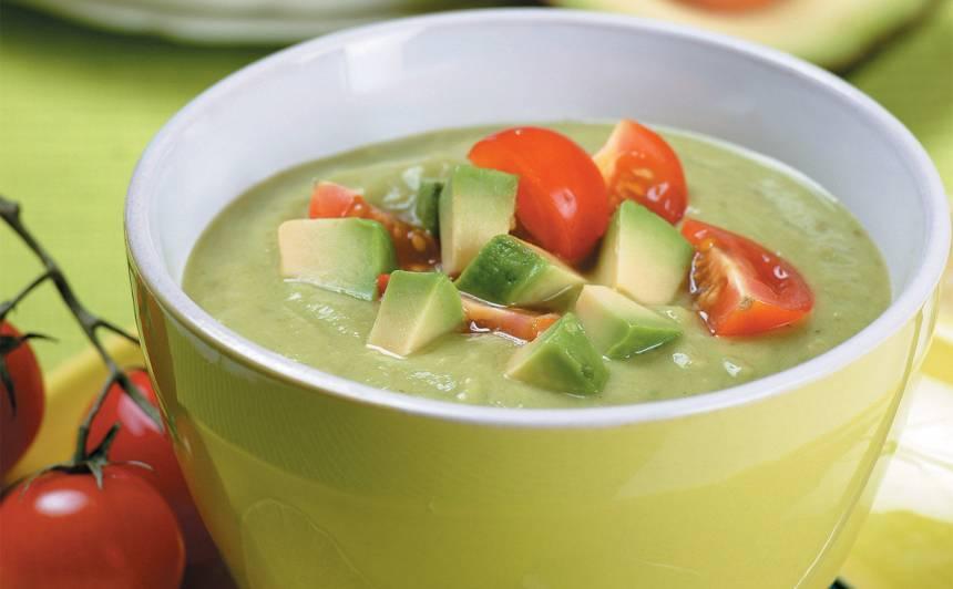 Avokado zupa ar tomātiņiem recepte