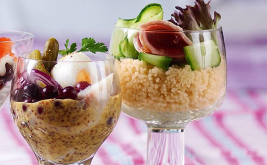 Kuskusa salāti ar šķiņķi glāzē recepte