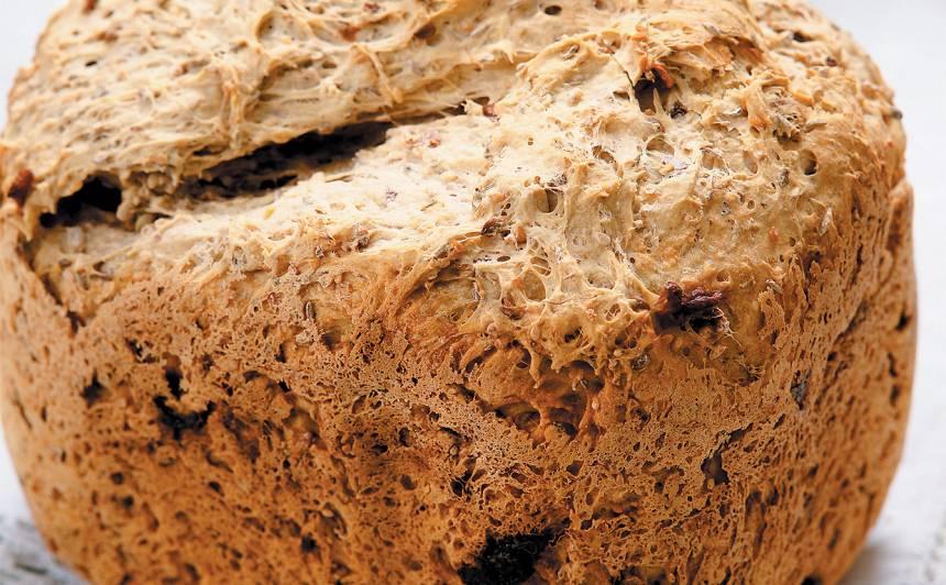 Kviešu maize ar diedzētiem graudiem recepte