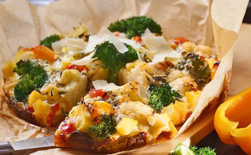 Kartupeļu kūka ar dārzeņiem un sieru