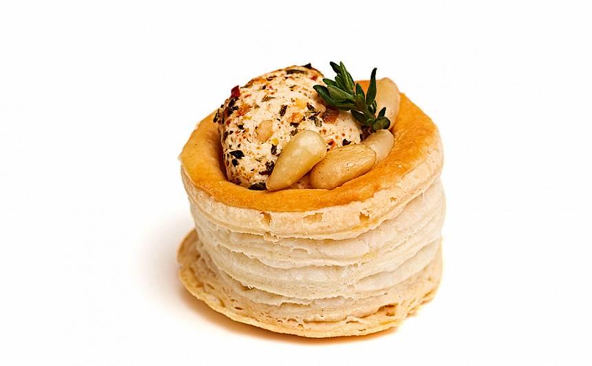Kārtainās mīklas mini groziņi ar svaigo sieru recepte
