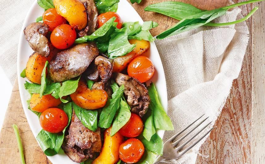 Karstie salāti ar skābenēm un vistu akniņām recepte