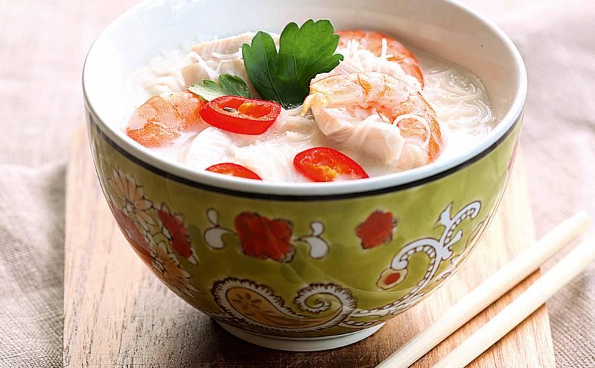 Zupa ar kokosriekstu pienu recepte