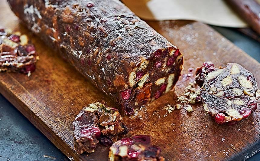 Saldā šokolādes salami recepte