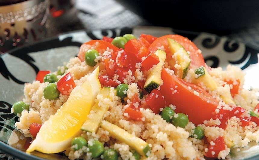 Kuskusa salāti ar dārzeņiem recepte