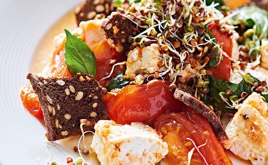 Cepts biezpiens ar tomātiem, zaļumiem recepte