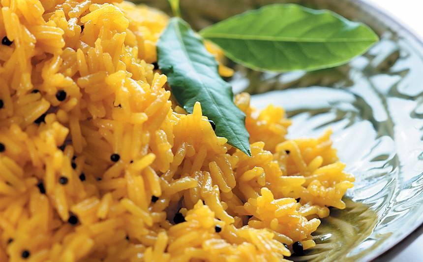 Rīsi ar melnajām sinepju sēklām