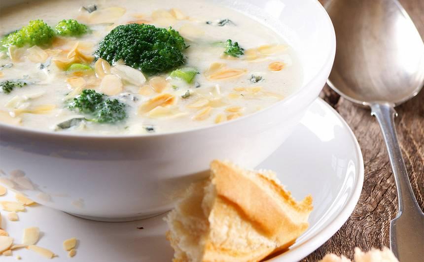 Brokoļu zupa ar zilo sieru recepte