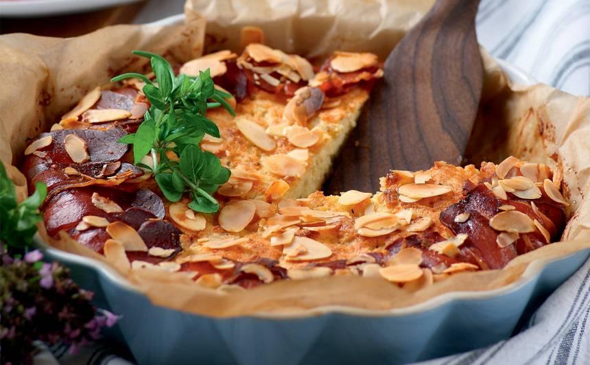 Kartupeļu kūka ar vītinātu šķiņķi un mandelēm recepte
