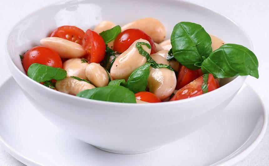 Pupu un tomātu salāti recepte