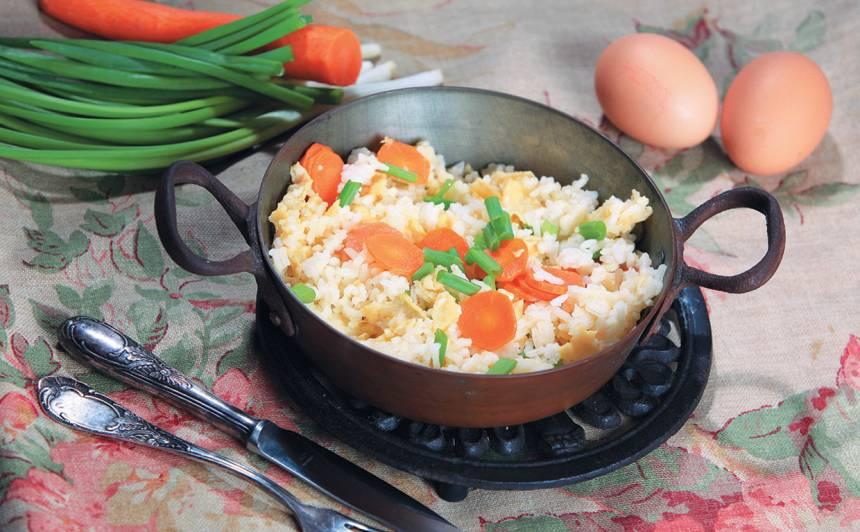 Olā sacepti rīsi ar dārzeņiem recepte