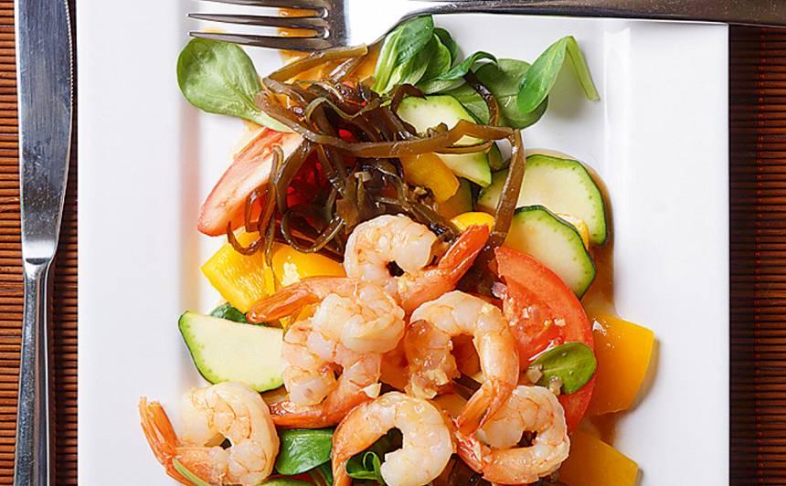 Dārzeņi ar jūras kāpostiem un garnelēm recepte
