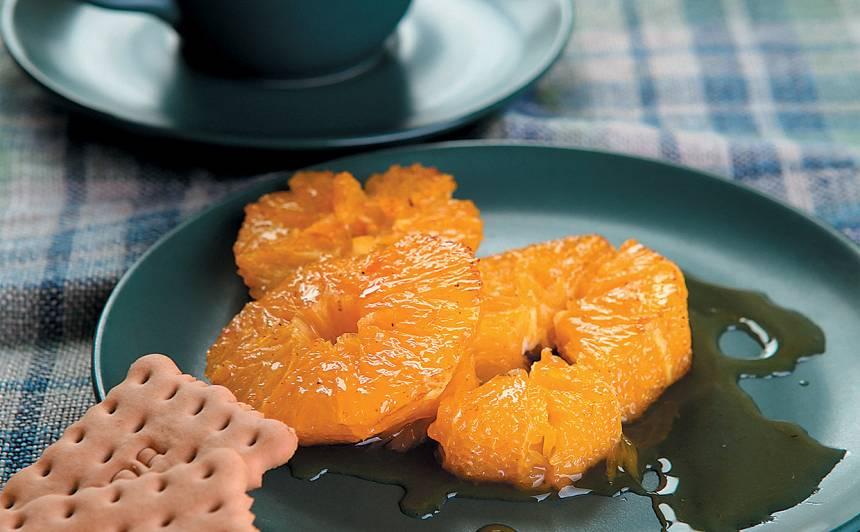 Apelsīni ar karameļu mērci recepte