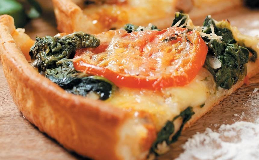 Pica ar spinātiem un mocarellu recepte