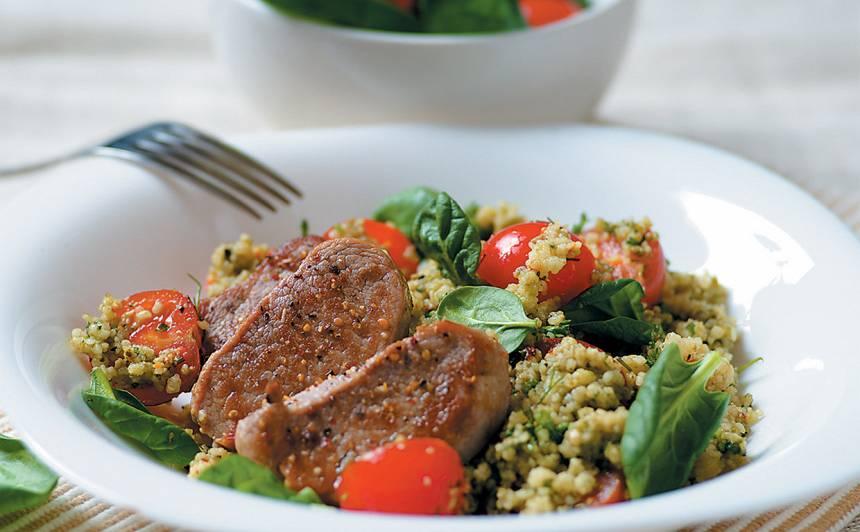 Kuskusa salāti ar cūkgaļas fileju recepte