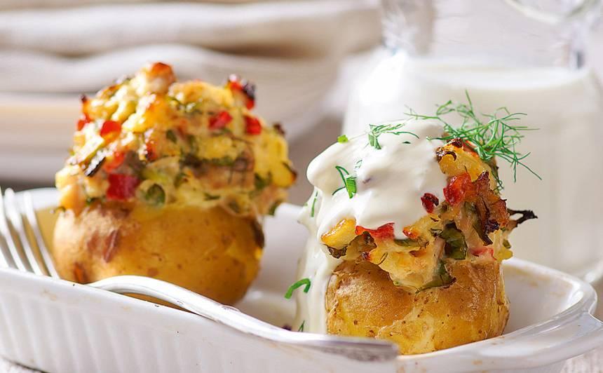 Kartupeļi ar kūpinātas zivs pildījumu