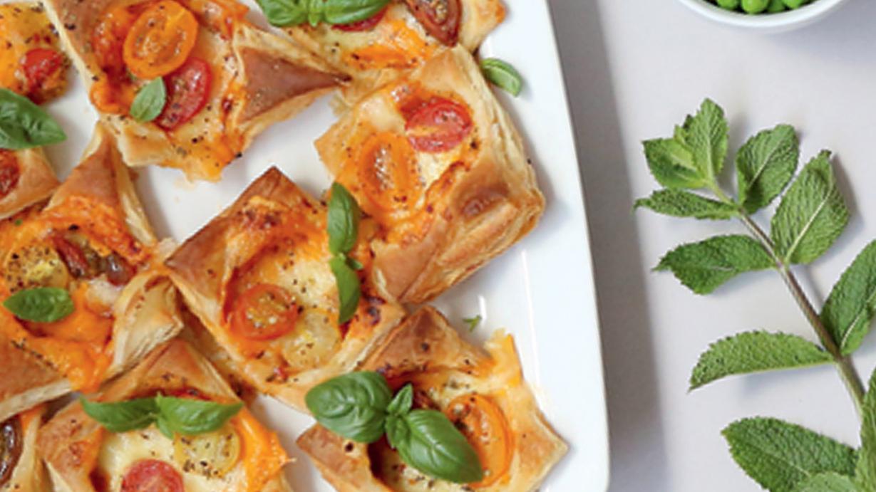 Kārtainās rauga mīklas mini picas recepte