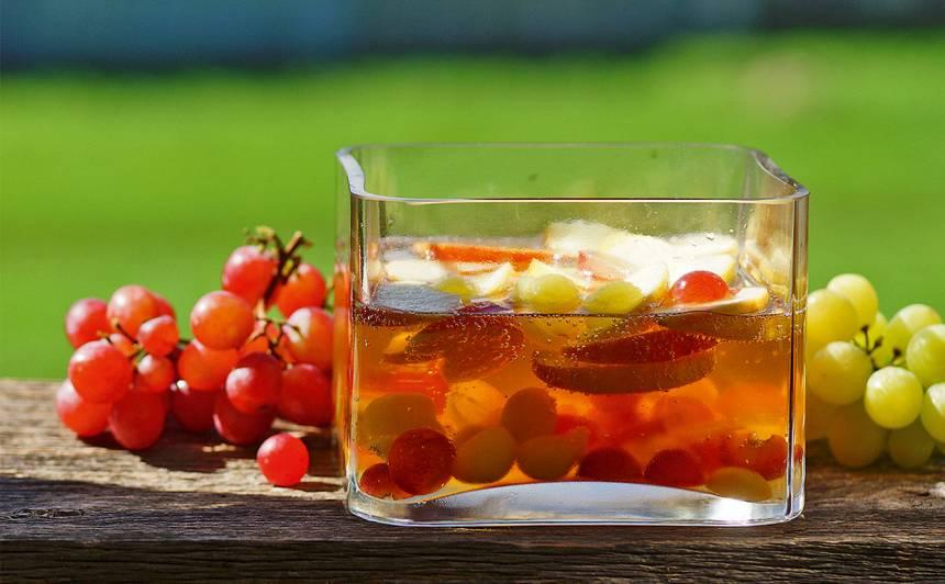 Ābolu bole ar vīnogām receptes