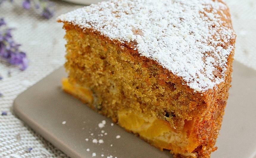 Nektarīnu un speltas kūka recepte