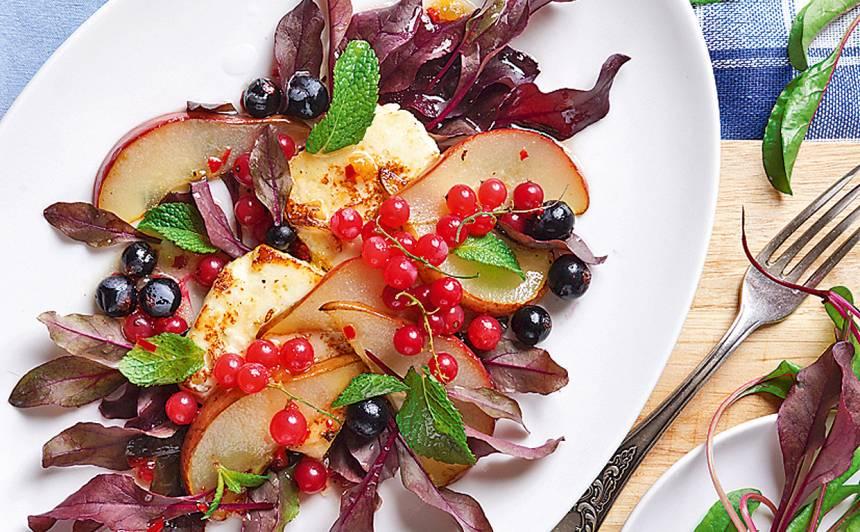 Mangolda salāti ar bumbieriem un ogām recepte