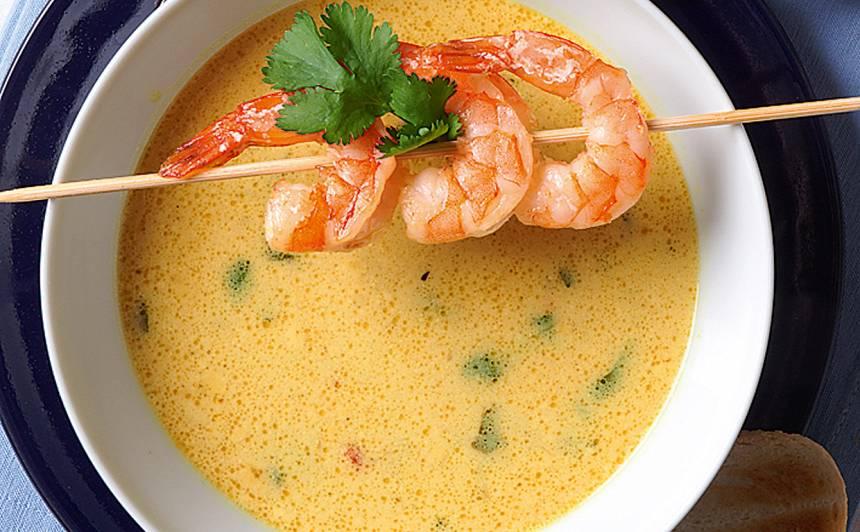 Kokosriekstu piena zupa ar garnelēm recepte