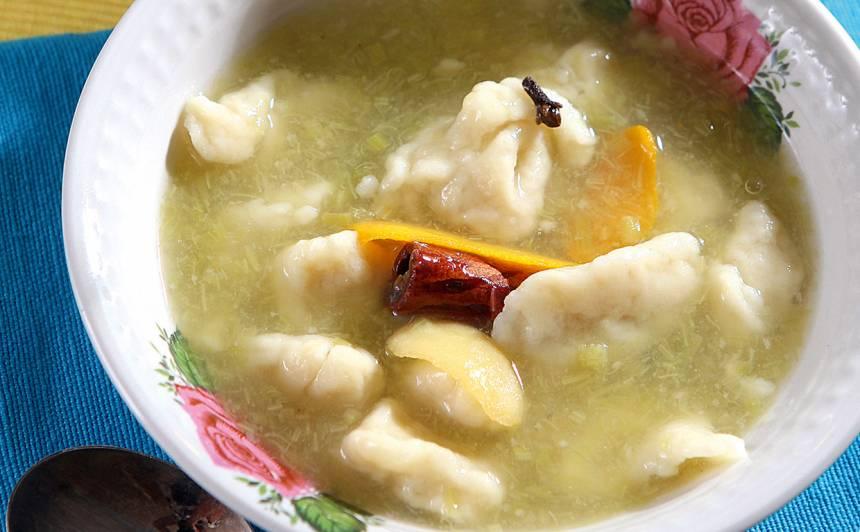 Rabarberu zupa ar ķiļķeniem