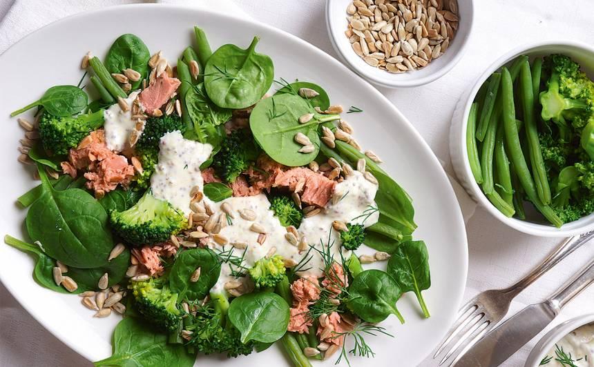 Zaļie salāti ar tunci recepte