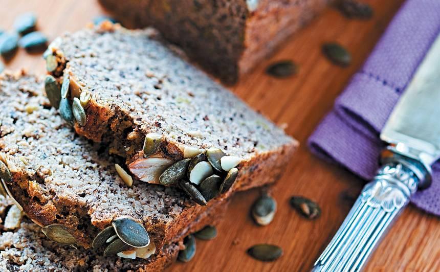 Saldā kabaču maize ar mandeļu, griķu, kokosriekstu miltiem recepte