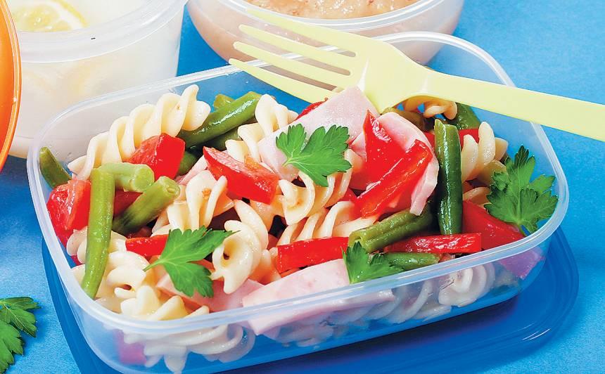 Pastas salāti ar šķiņķi recepte