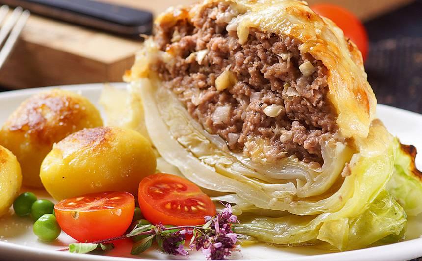 Ar malto gaļu pildīta kāpostgalviņa recepte