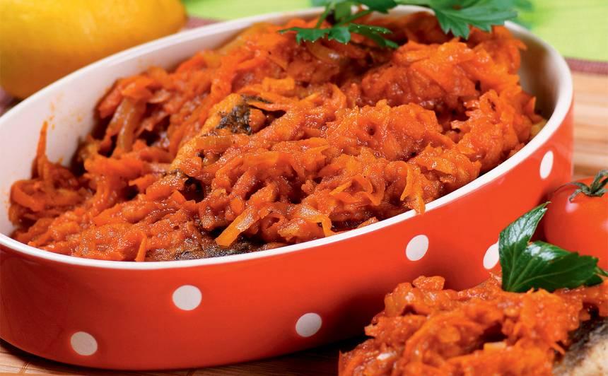 Zivs sarkanā dārzeņu marinādē recepte
