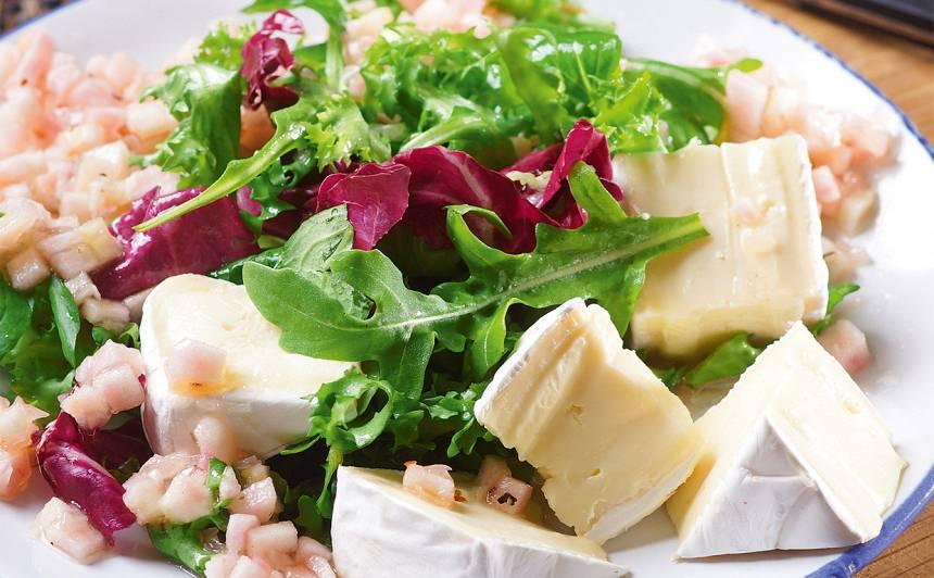 Salāti ābolu mērcē recepte