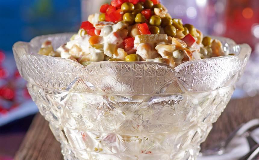 Kraukšķīgie vistas salāti recepte