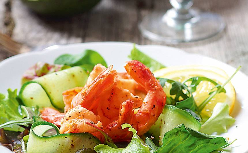 Salāti ar garnelēm recepte