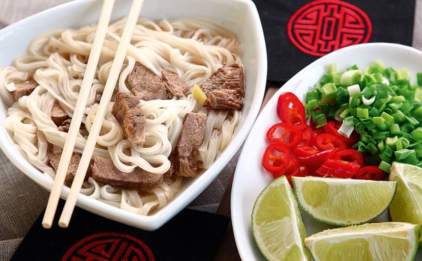 Liellopa gaļas zupa vjetnamiešu gaumē recepte