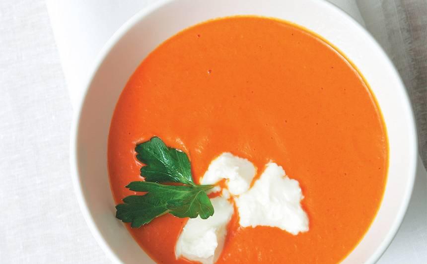 Humosa un saldo piparu zupa ar fetas sieru recepte