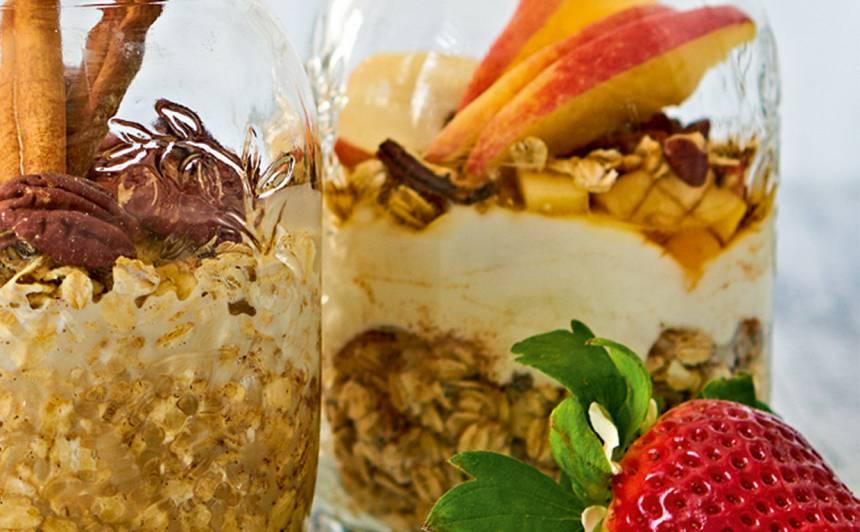 Brokastu burciņa ar mandeļu pienu recepte