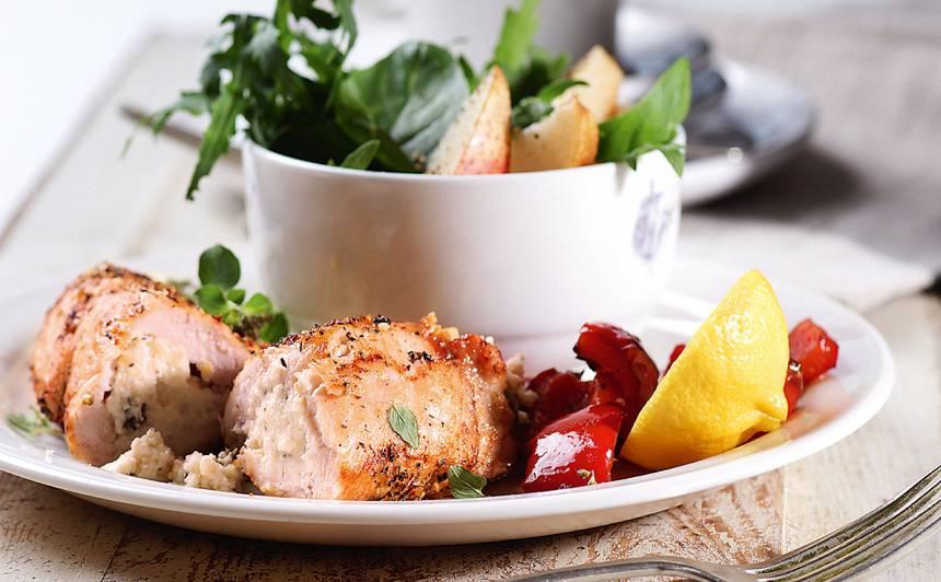 Ar biezpienu pildīta vistas fileja recepte