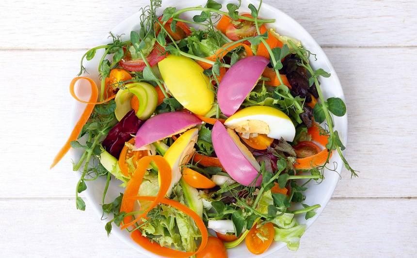 Krāsainie salāti recepte