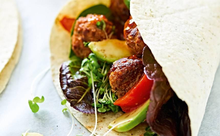 Tortilju tūtas ar gaļas bumbiņām recepte