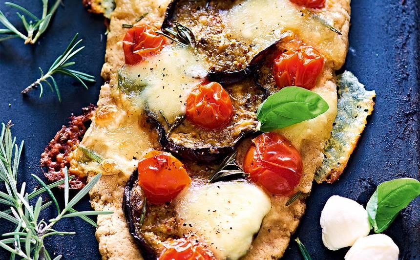 Fokača ar baklažānu, sieru un tomātiem recepte