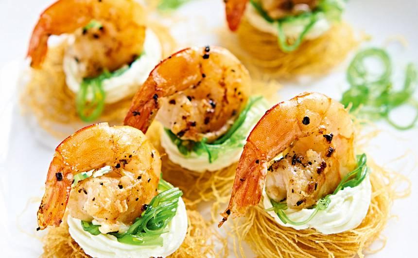 Garneles kataifi mīklas ligzdiņā recepte