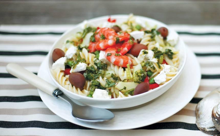 Karalisko garneļu makaronu salāti recepte