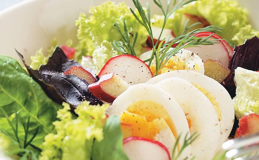 Vasaras salāti ar rabarberiem recepte